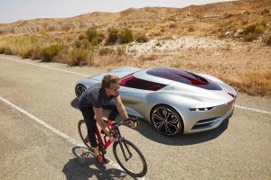 La Tourangelle Paule Guérin a créé la marque Keim de cycles en bois et participé au design intérieur de cette concept-car Renault.