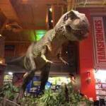 Tyrannosaure Toys'R'Us