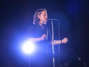 Vers 22h, Julien Doré est monté sur scène.