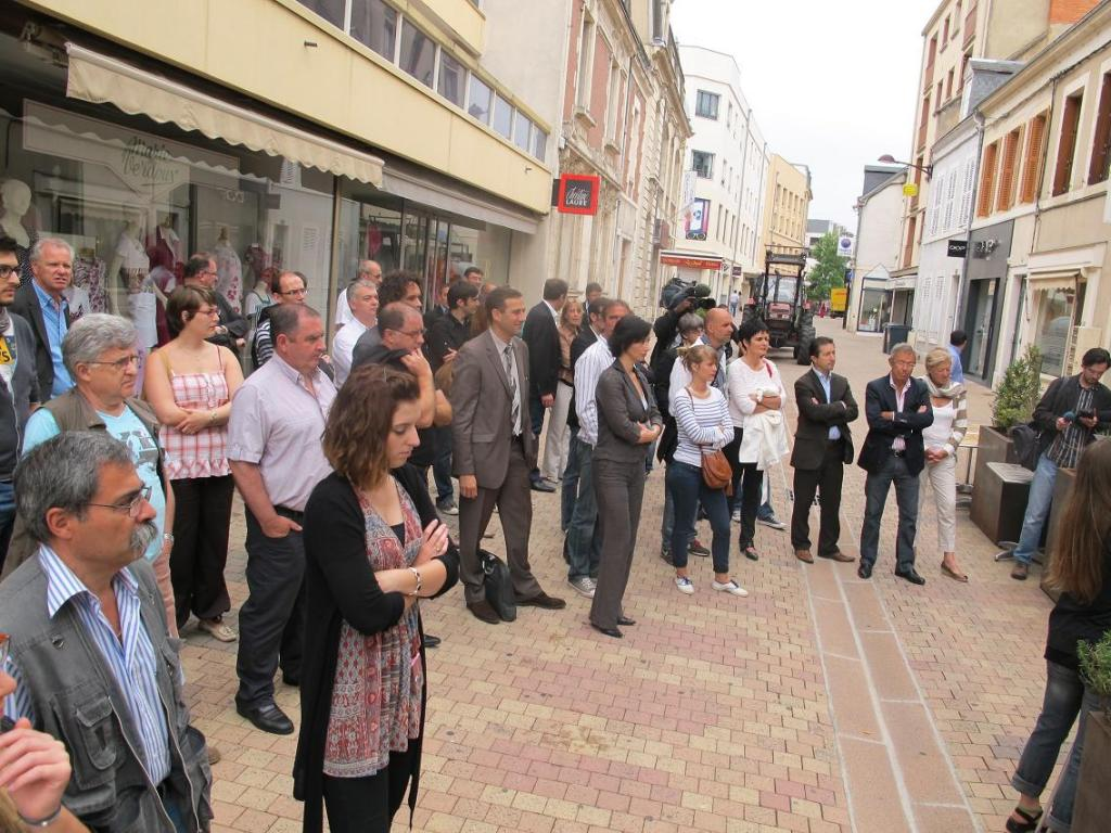 C'était rue de La Poste, à Châteauroux, devant le Saint-Hubert