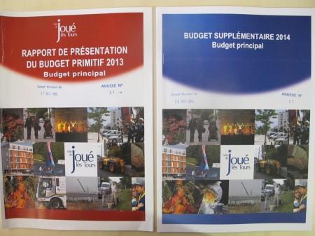 Les documents du conseil municipal de Joué : à gauche, période Le Breton ; à droite, période Augis.