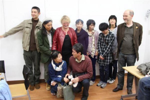 La rencontre entre Eva Joly et des familles de Fukushima. Photo postée sur son twitter.