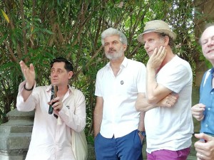 Olivier Py, directeur du festival d'Avignon ; Laurent Gaudé et le comédien Charles Berling.